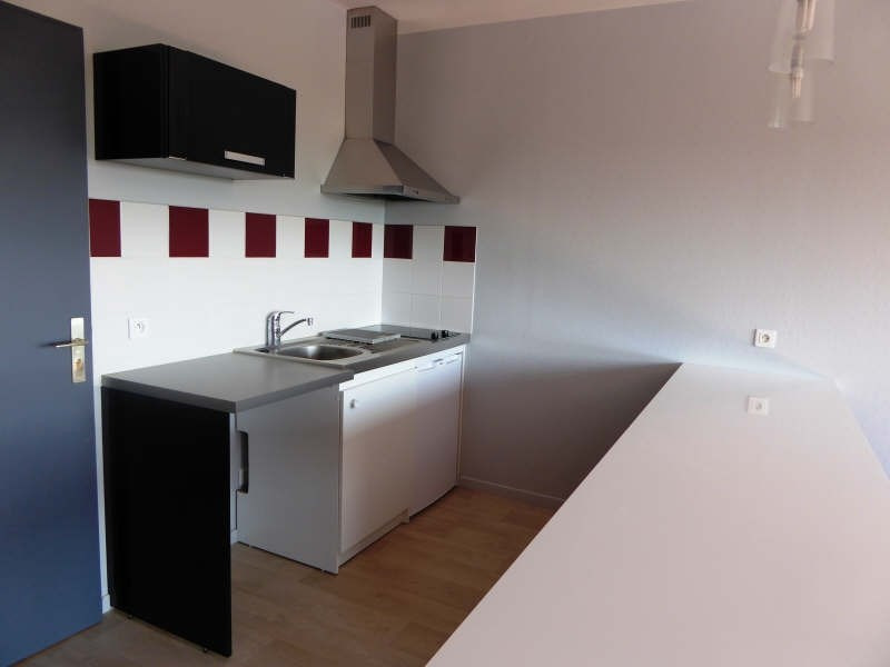 Location appartement Maurepas 625€ CC - Photo 2