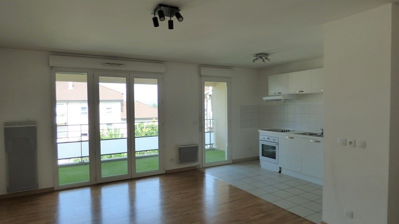 Rental apartment Ville la grand 1 122€ CC - Picture 1