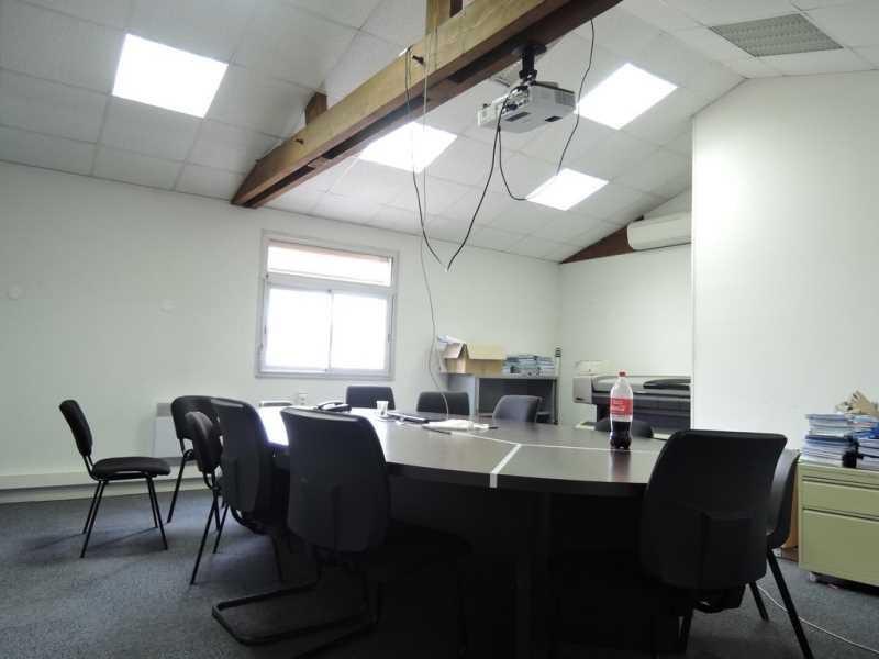 Location Bureau Aubergenville 0