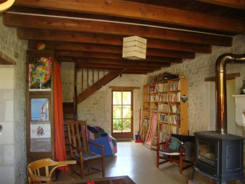 Sale house / villa Saint-jean-d'angély 101250€ - Picture 4