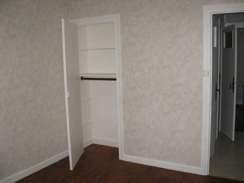 Location appartement Oullins 626€ CC - Photo 2