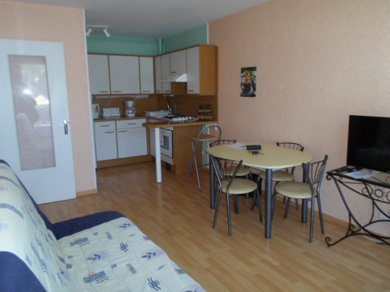 Location appartement Grandcamp maisy 472€ CC - Photo 3