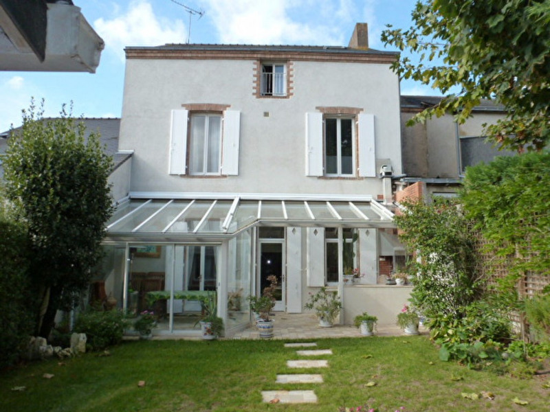 Sale house / villa Cholet 483 000€ - Picture 1