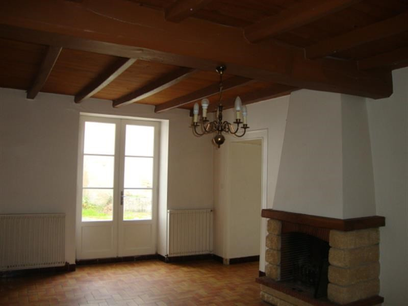 Sale house / villa Loulay 69 800€ - Picture 5