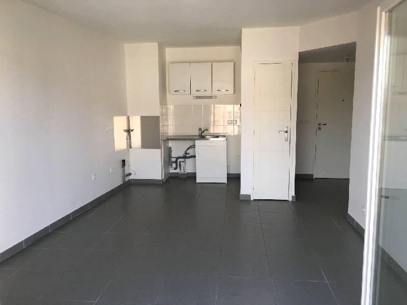 Rental apartment Vernaison 618€ CC - Picture 1
