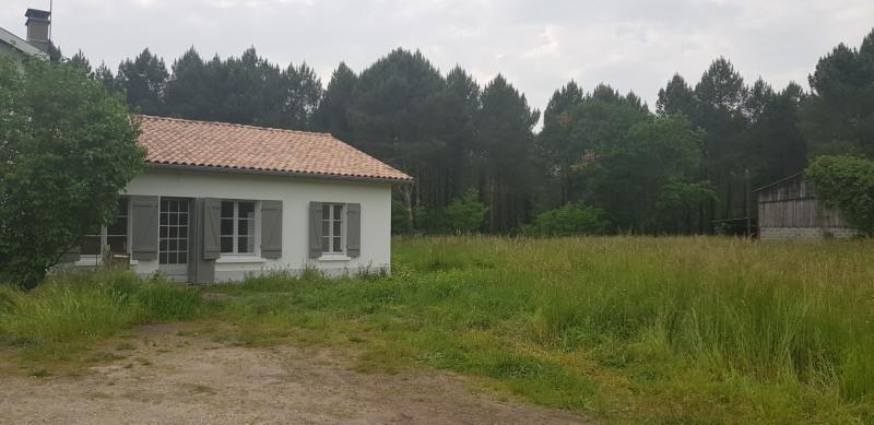 Maison Mitoyenne de type 4 avec 1000 m² env de terrain non clos