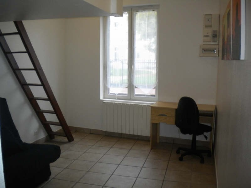 Location appartement Vendome 300€ CC - Photo 3