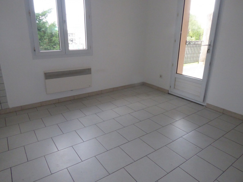 Location maison / villa Vogüé 618€ CC - Photo 9