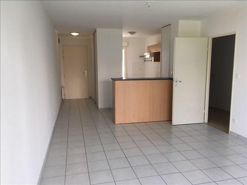 Rental apartment Vendome 587€ CC - Picture 1