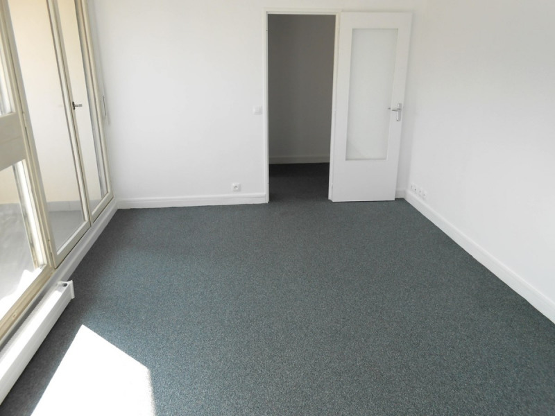 Rental apartment Asnieres sur seine 700€ CC - Picture 1