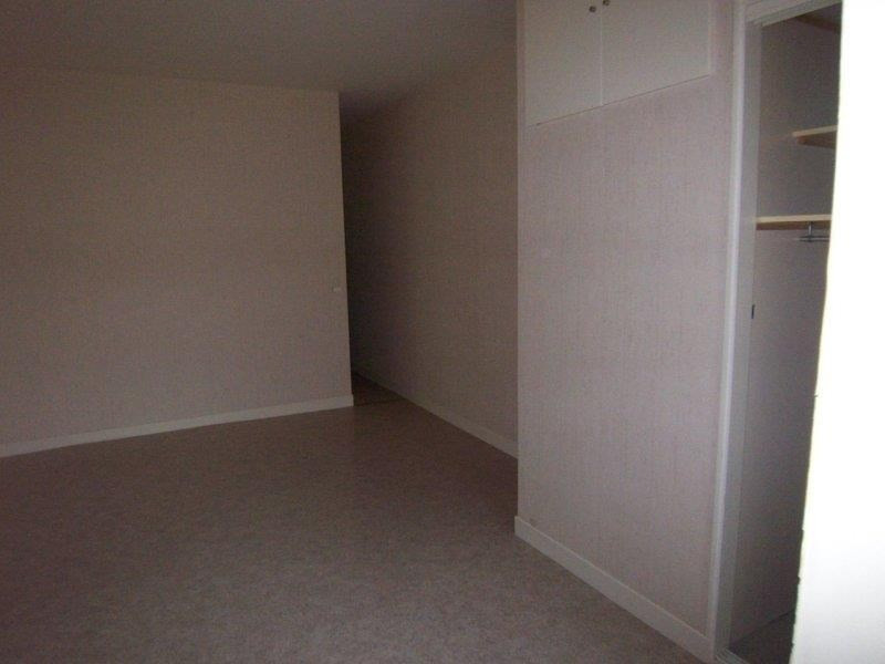 Location appartement Troyes 416€ CC - Photo 2