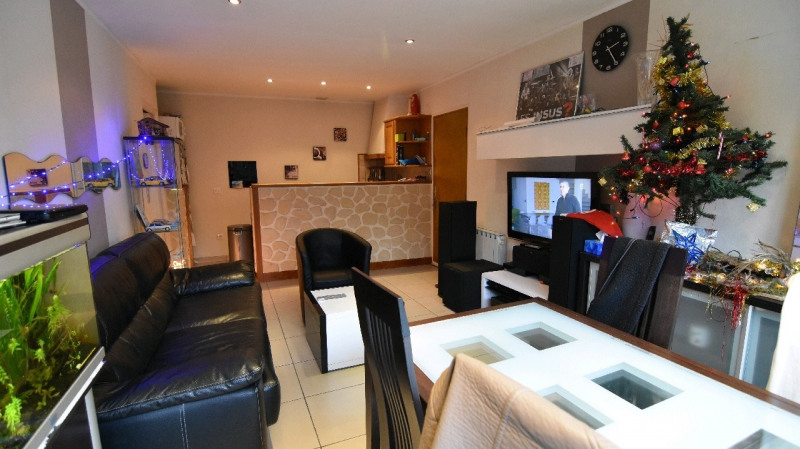 Sale apartment Chambly 155000€ - Picture 2