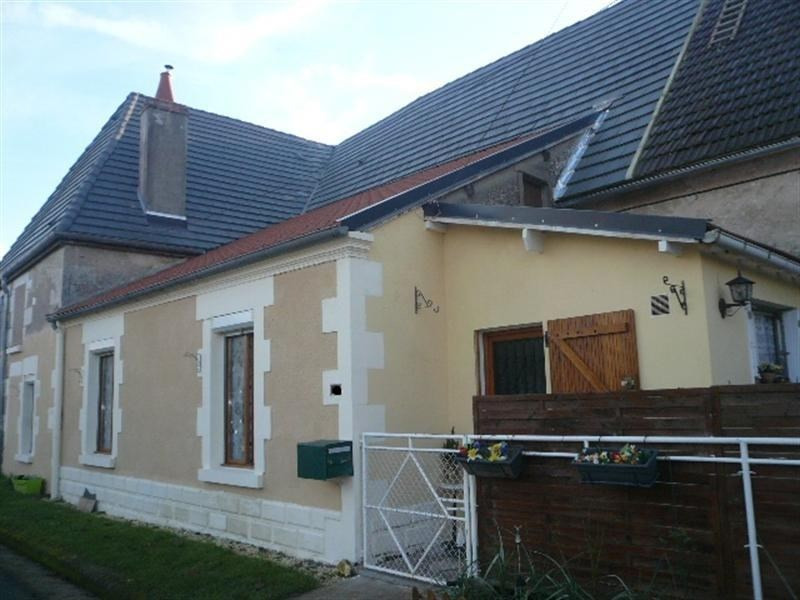 Sale house / villa Feux 90 000€ - Picture 1