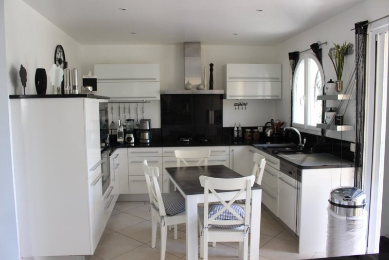 Deluxe sale house / villa Frejus 780000€ - Picture 3
