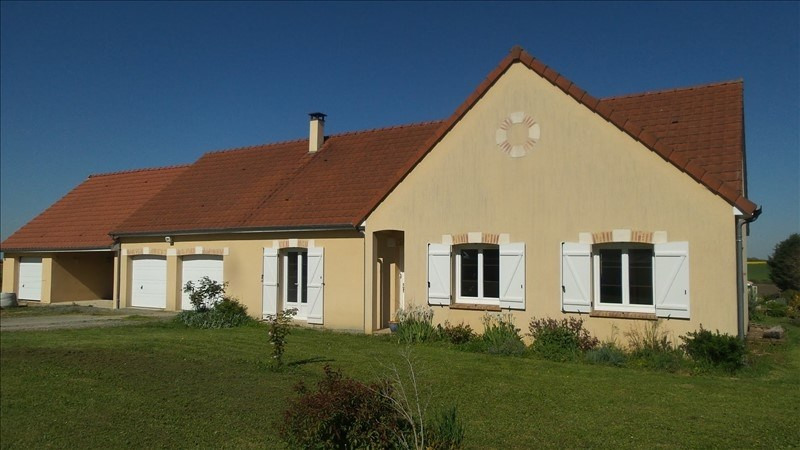 Sale house / villa Avord 172000€ - Picture 1
