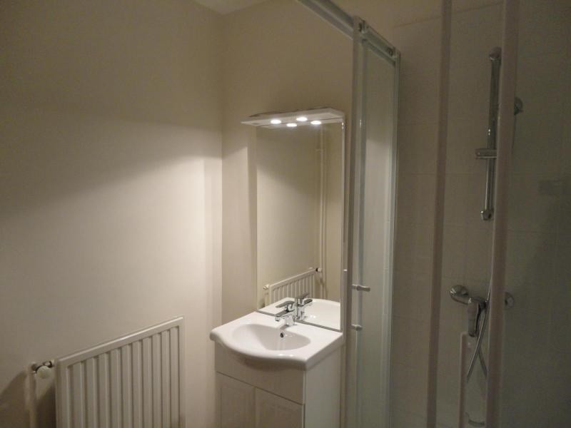 Location appartement Fontaine 468€ CC - Photo 4