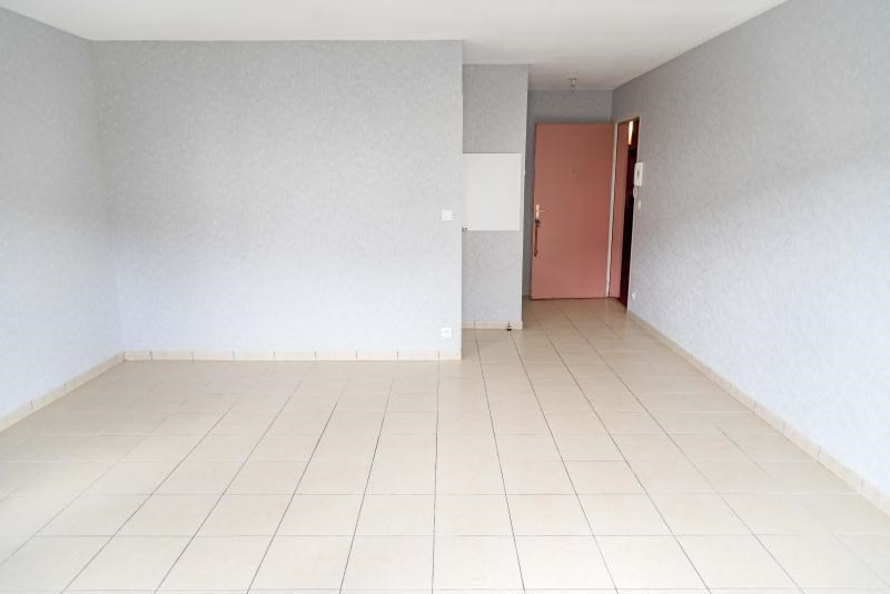 Location appartement Arbent 453€ CC - Photo 3
