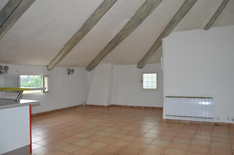 Sale apartment Venasque 149 000€ - Picture 1