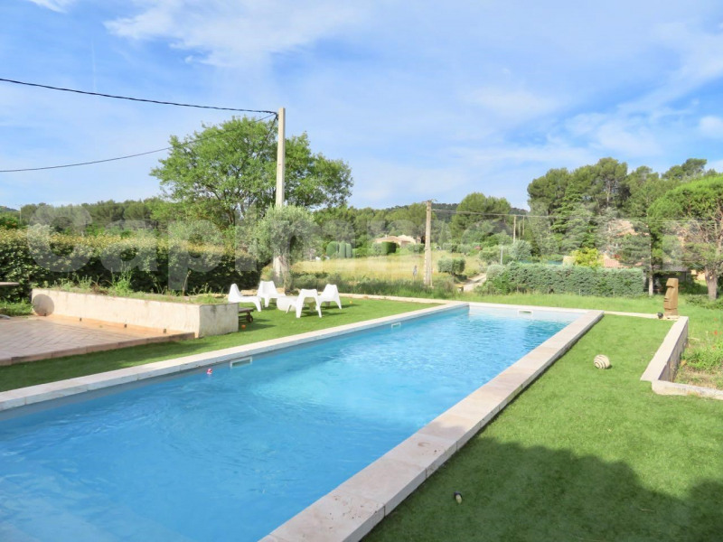 Deluxe sale house / villa Le beausset 570 000€ - Picture 1