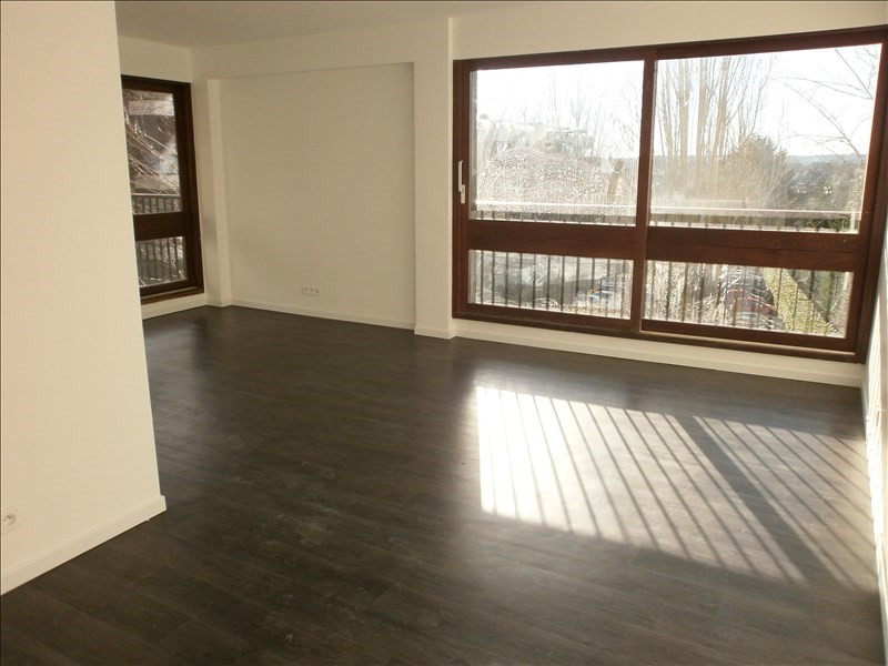 Location appartement Le chesnay 1145€ CC - Photo 1