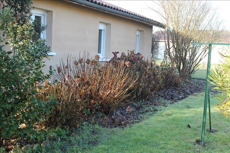 Location maison / villa Auros 590€ CC - Photo 1