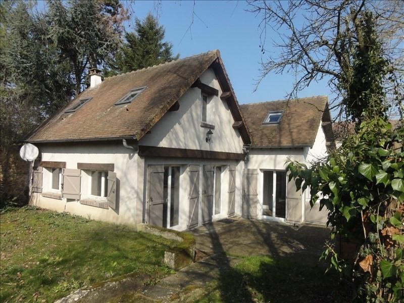 Sale house / villa Montfort l amaury 425000€ - Picture 1
