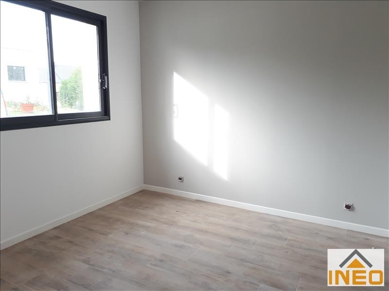 Location maison / villa Melesse 1 010€ CC - Photo 4
