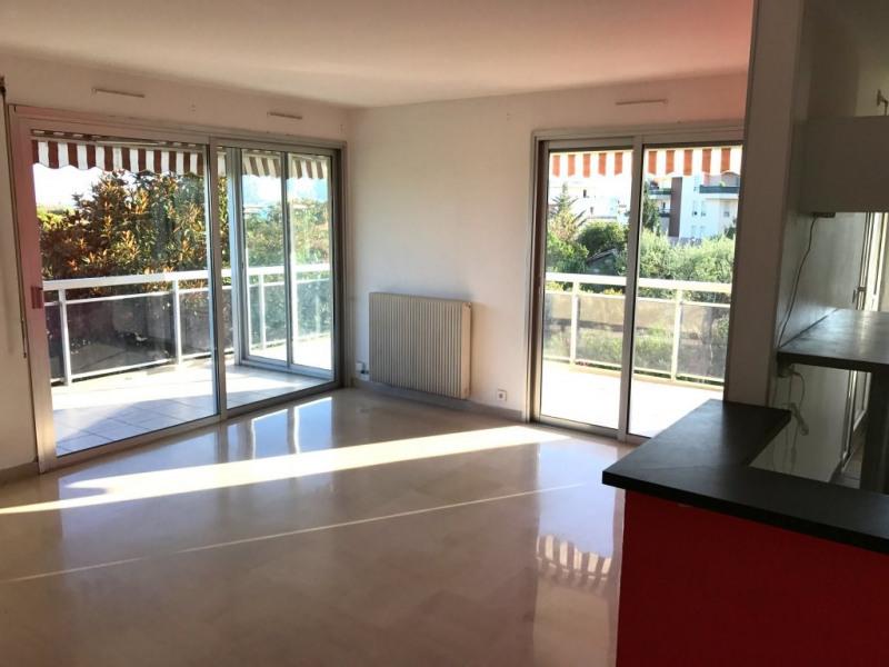 Location appartement Antibes 1394€ CC - Photo 1