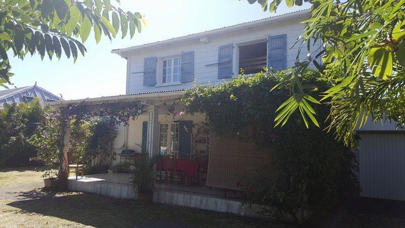 Sale house / villa Saint andré 270000€ - Picture 1