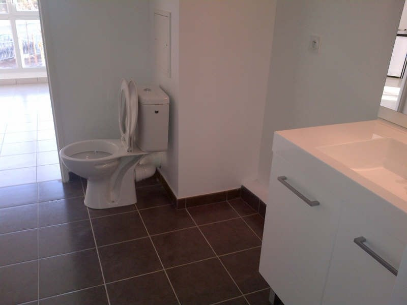 Rental apartment Bron 490€ CC - Picture 3