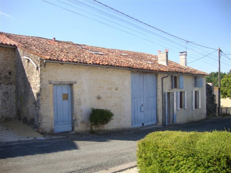 Sale house / villa Saint-jean-d'angély 101250€ - Picture 2