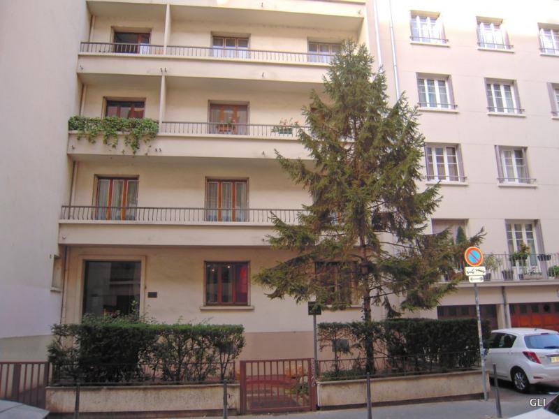 Location appartement Lyon 6ème 1079€ CC - Photo 8