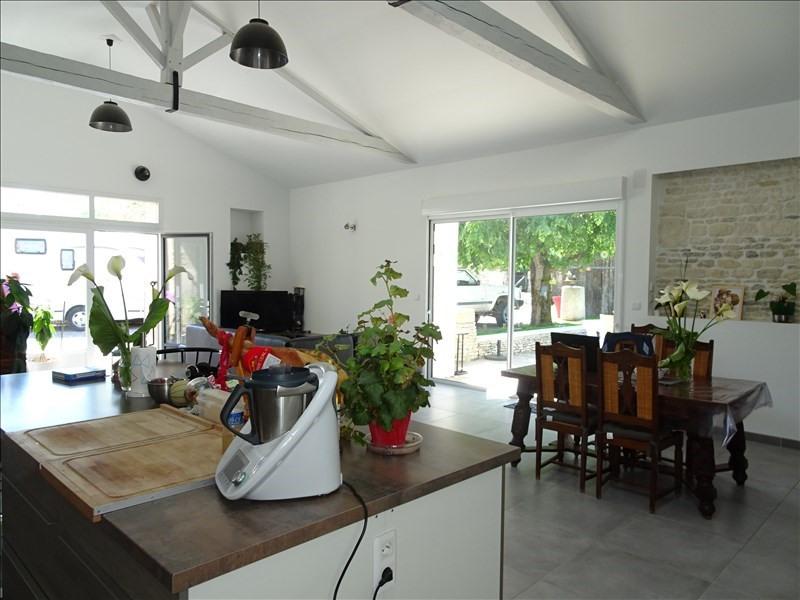 Vente maison / villa Yves 299250€ - Photo 8
