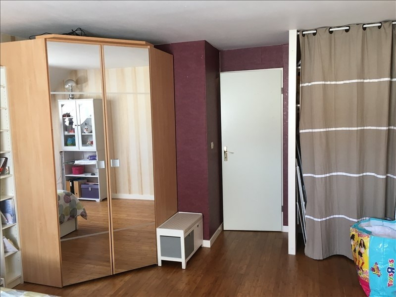 Sale house / villa Plaisir 299250€ - Picture 5