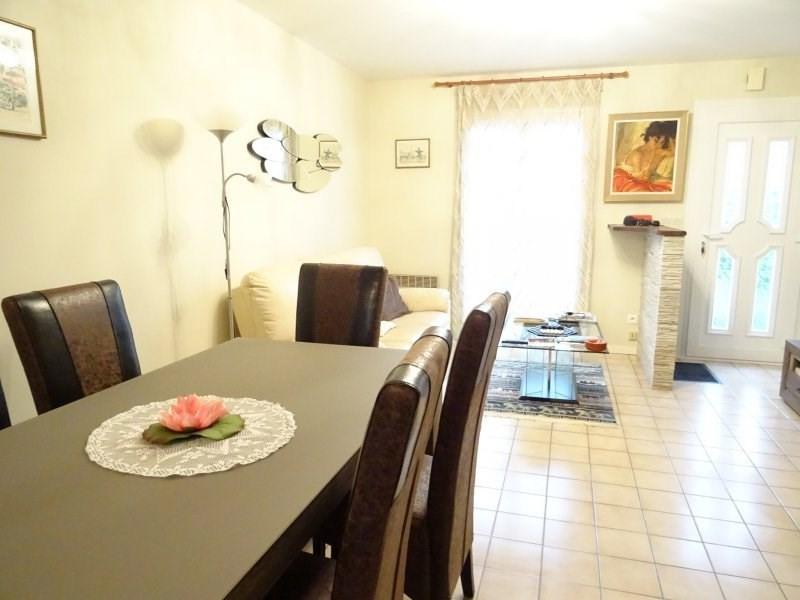 Sale house / villa St caprais de bordeaux 220500€ - Picture 2