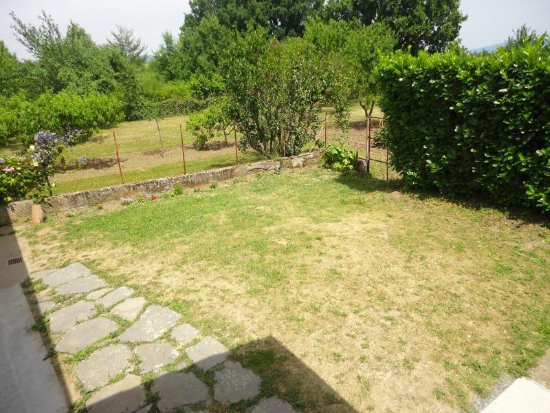 Location maison / villa Nuelles 730€ CC - Photo 1