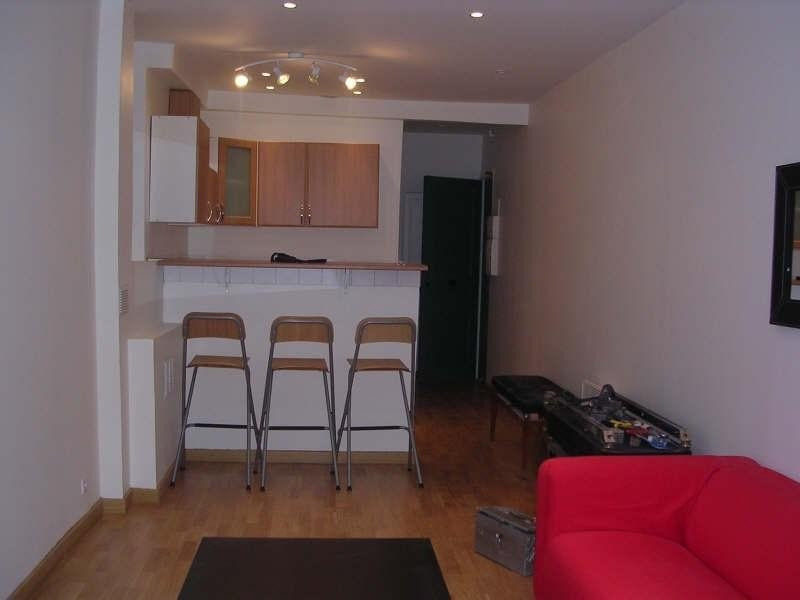 Location appartement Paris 3ème 1 224€ CC - Photo 4