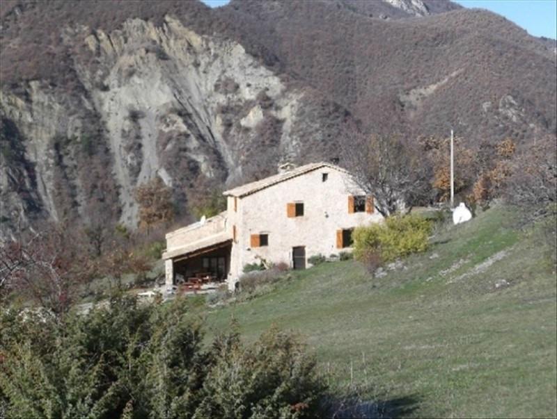 Vente de prestige maison / villa Clamensane 950000€ - Photo 3