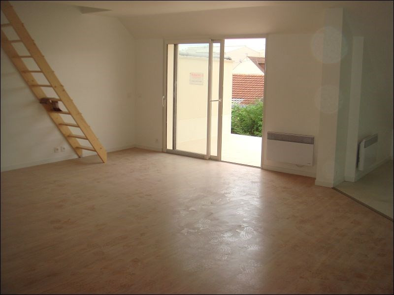 Rental apartment Savigny sur orge 942€ CC - Picture 2