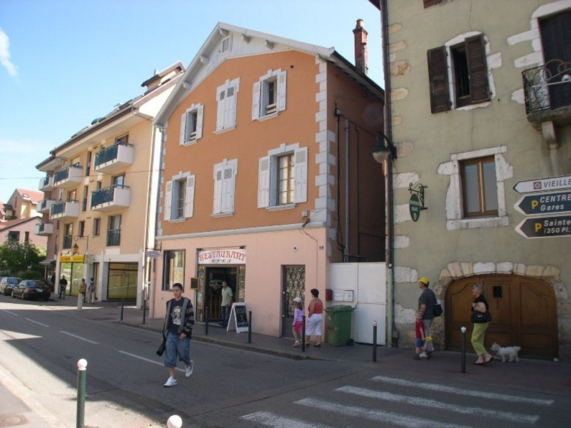 Location appartement Annecy 885€ CC - Photo 3