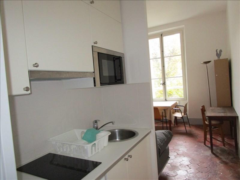 Location appartement Versailles 770€ CC - Photo 3