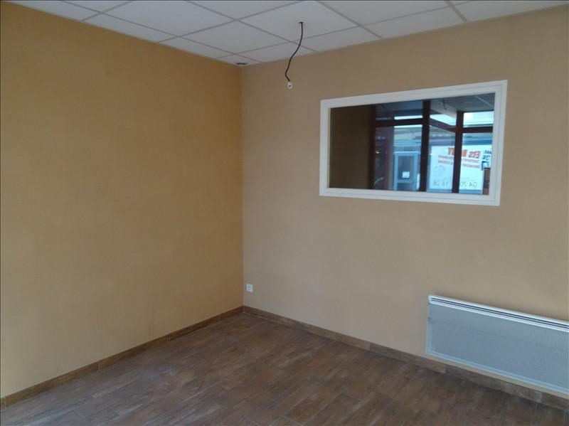 Location local commercial Moulins 450€ HT/HC - Photo 2