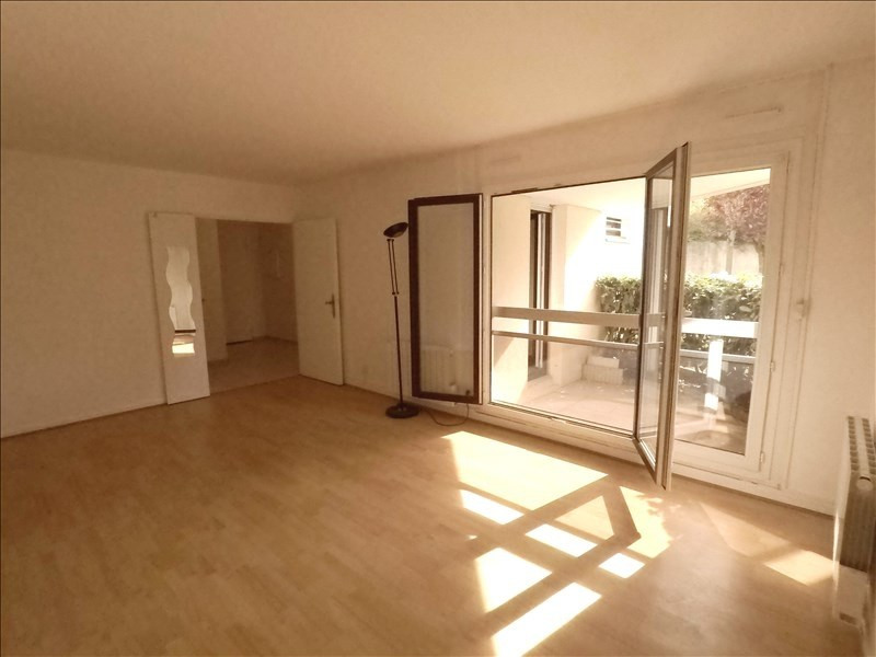 Rental apartment L hay les roses 845€ CC - Picture 2
