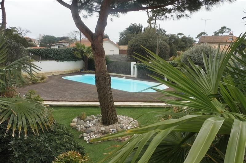 Deluxe sale house / villa Proximite royan 832000€ - Picture 2