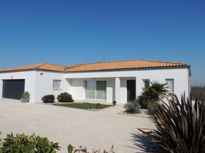 Deluxe sale house / villa Breuillet 650000€ - Picture 1