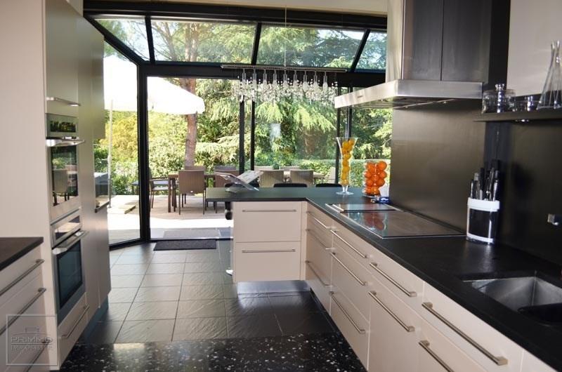 Deluxe sale house / villa Charbonnieres les bains 980000€ - Picture 1