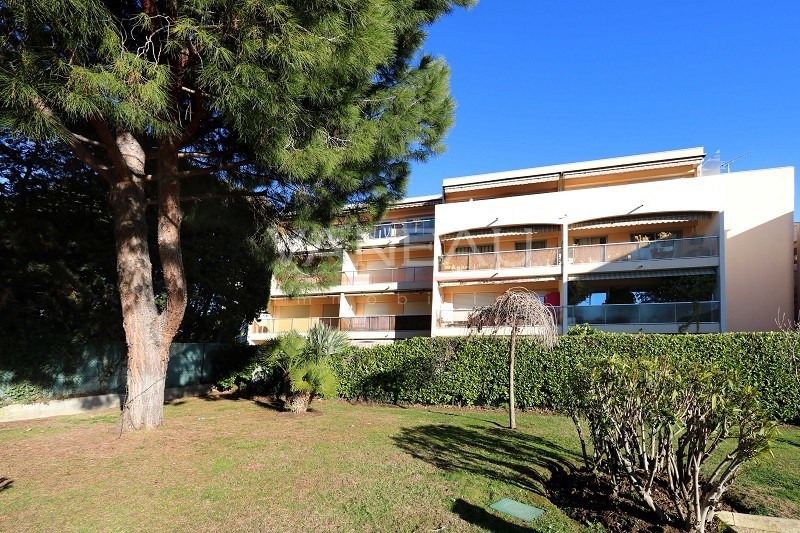 Vente de prestige appartement Antibes 198 000€ - Photo 8