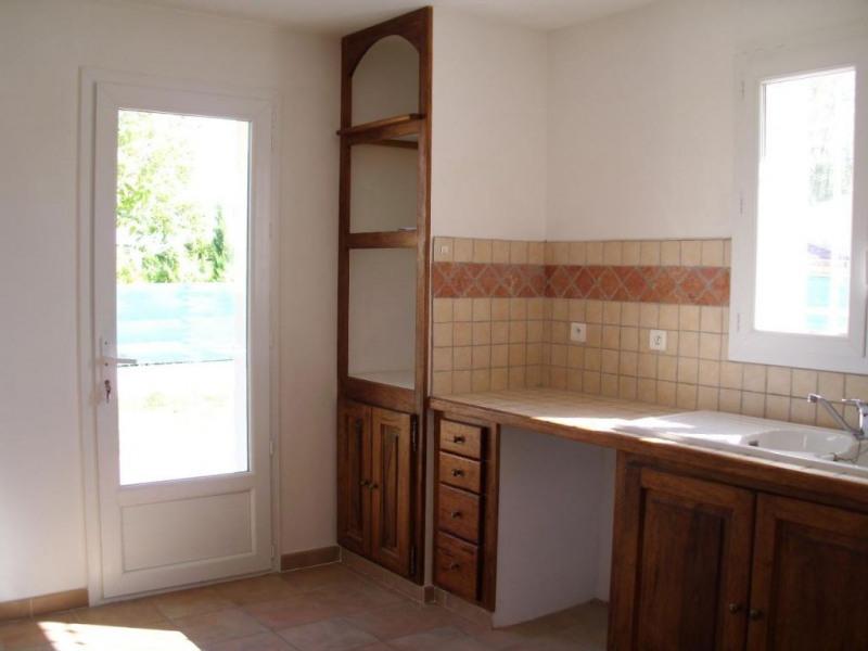 Location maison / villa Althen des paluds 967€ CC - Photo 11