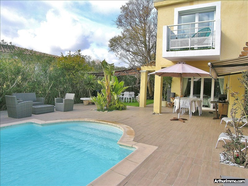 Deluxe sale house / villa Antibes 975 000€ - Picture 2
