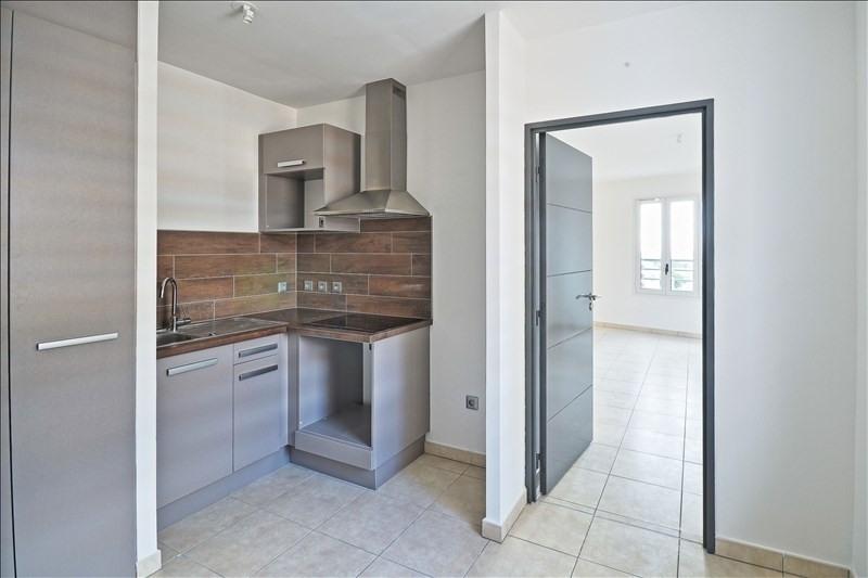 Rental apartment Sainte clotilde 741€ CC - Picture 3